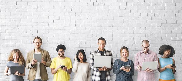 Bate-papo em grupo, grupo de trabalho ou rede social privada? Tendências de comunicação interna